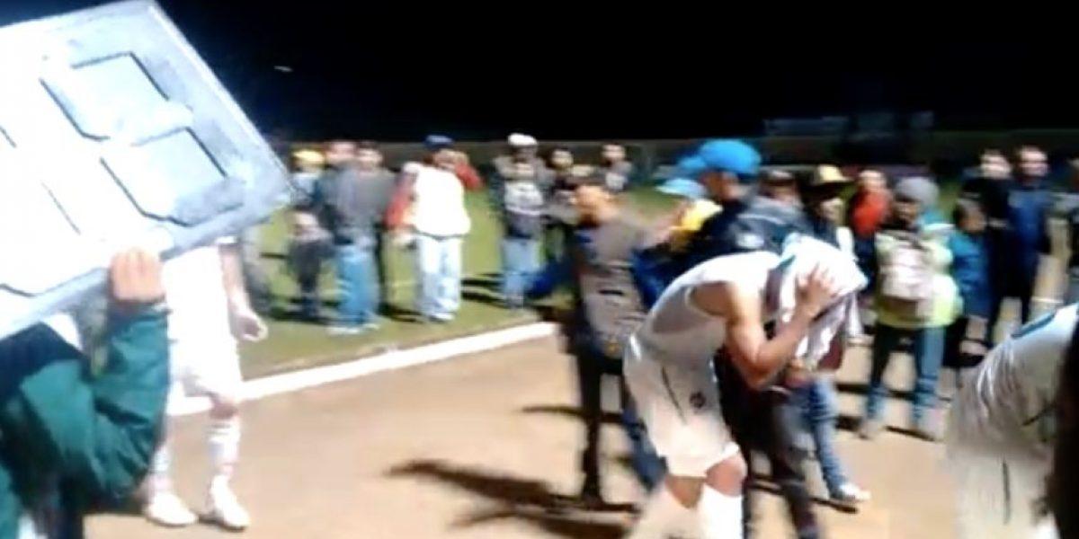 VIDEO. Cremas pasan un susto por enardecida afición de Marquense