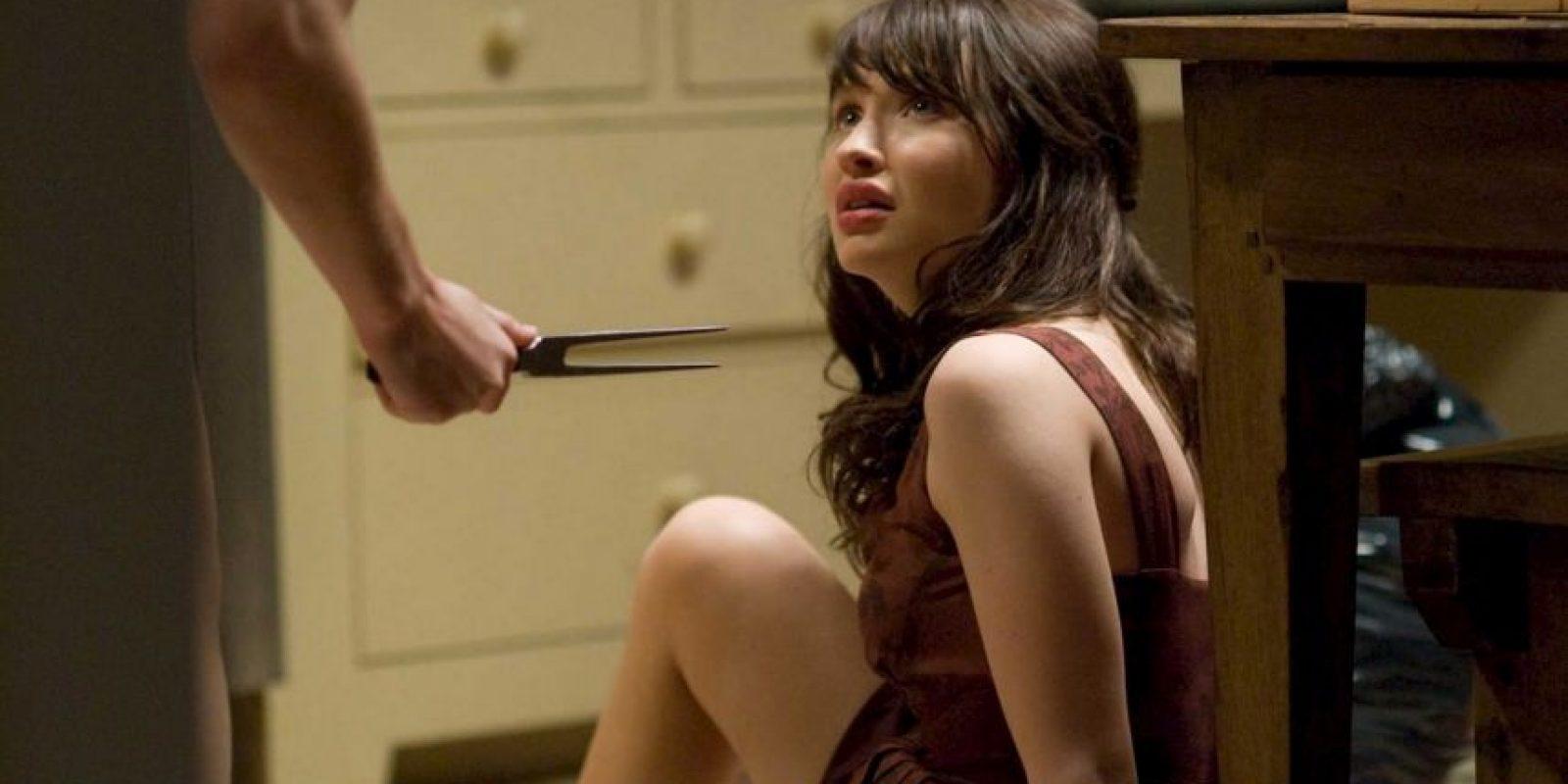 Una afligida adolescente descubre al salir de un psiquiátrico que su padre planea casarse con la enfermera que cuidó de su ahora fallecida madre. Foto:vía Netflix