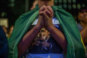 """De acuerdo a la investigación de las autoridades brasileñas, Petrobras licitaba sus grandes obras a empresas constructoras y de ingeniería a través de una política llamada """"Compre Nacional"""", impuesta por Dilma Rousseff cuando era ministra de Energía. Foto:Getty Images"""