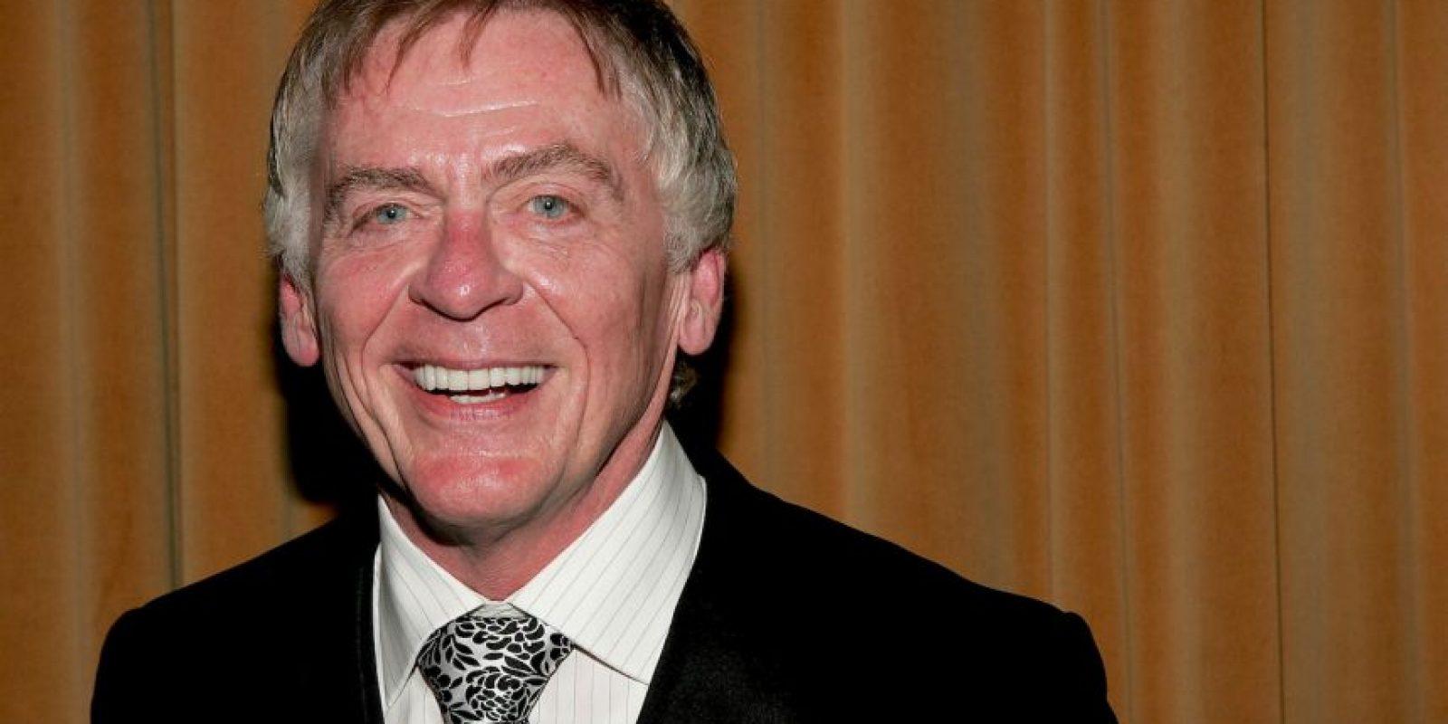 Niles era el mayordomo de la casa, interpretado por el actor Daniel Davis. Foto:Getty Images