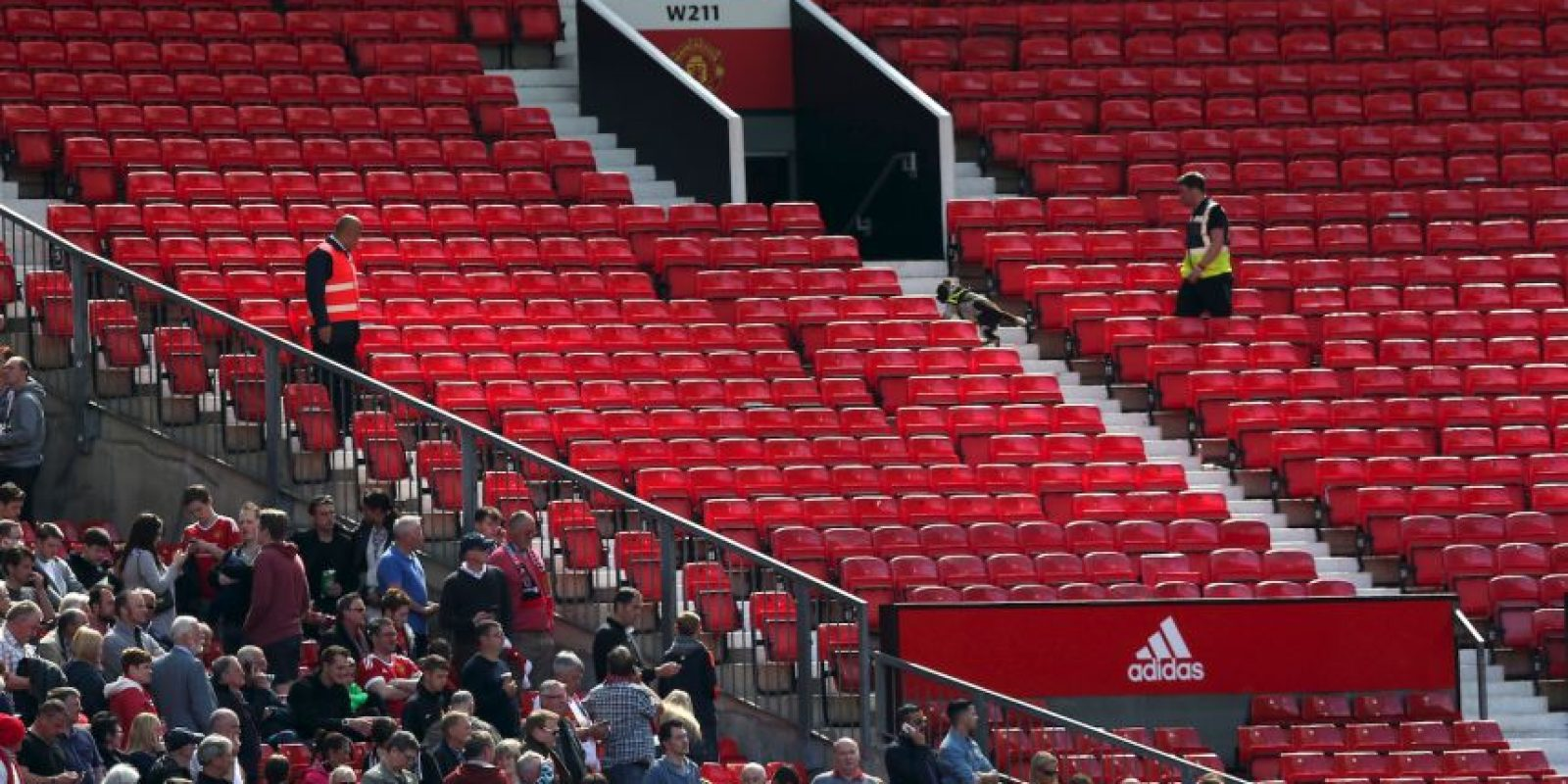 Pero luego se evacuó el estadio completo. Foto:Getty Images