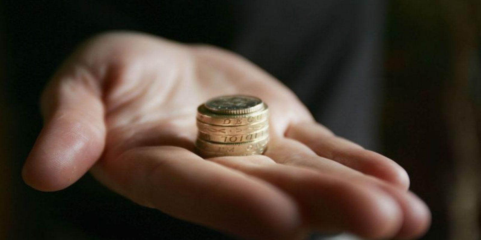 Junto a su pareja, diseñen una tabla de gastos fijos y aclaren quién se hará cargo de qué. Foto:Getty Images