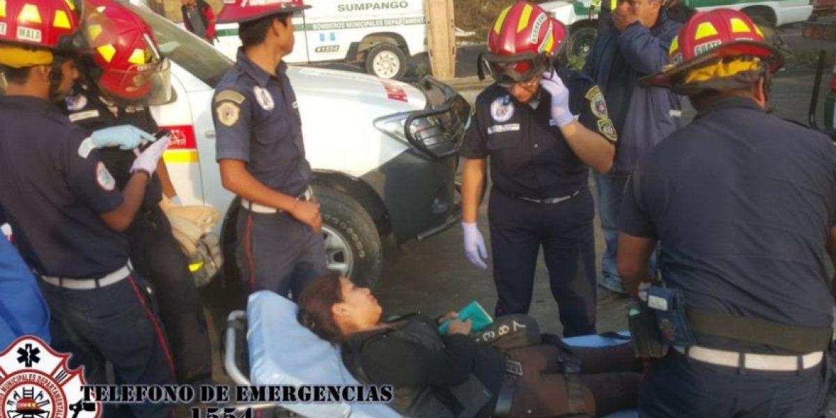 Heridos deja autobús volcado en ruta Interamericana
