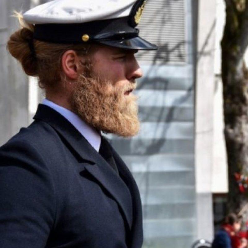 Tiene 30 años y es noruego. Éste oficial de la Marina Real de Noruega se unirá a los policías más guapos del mundo.