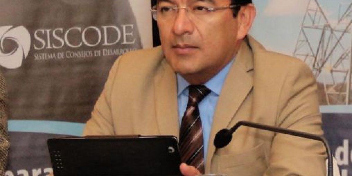 Congreso consulta al TSE posible inhabilitación del diputado Germán Velásquez