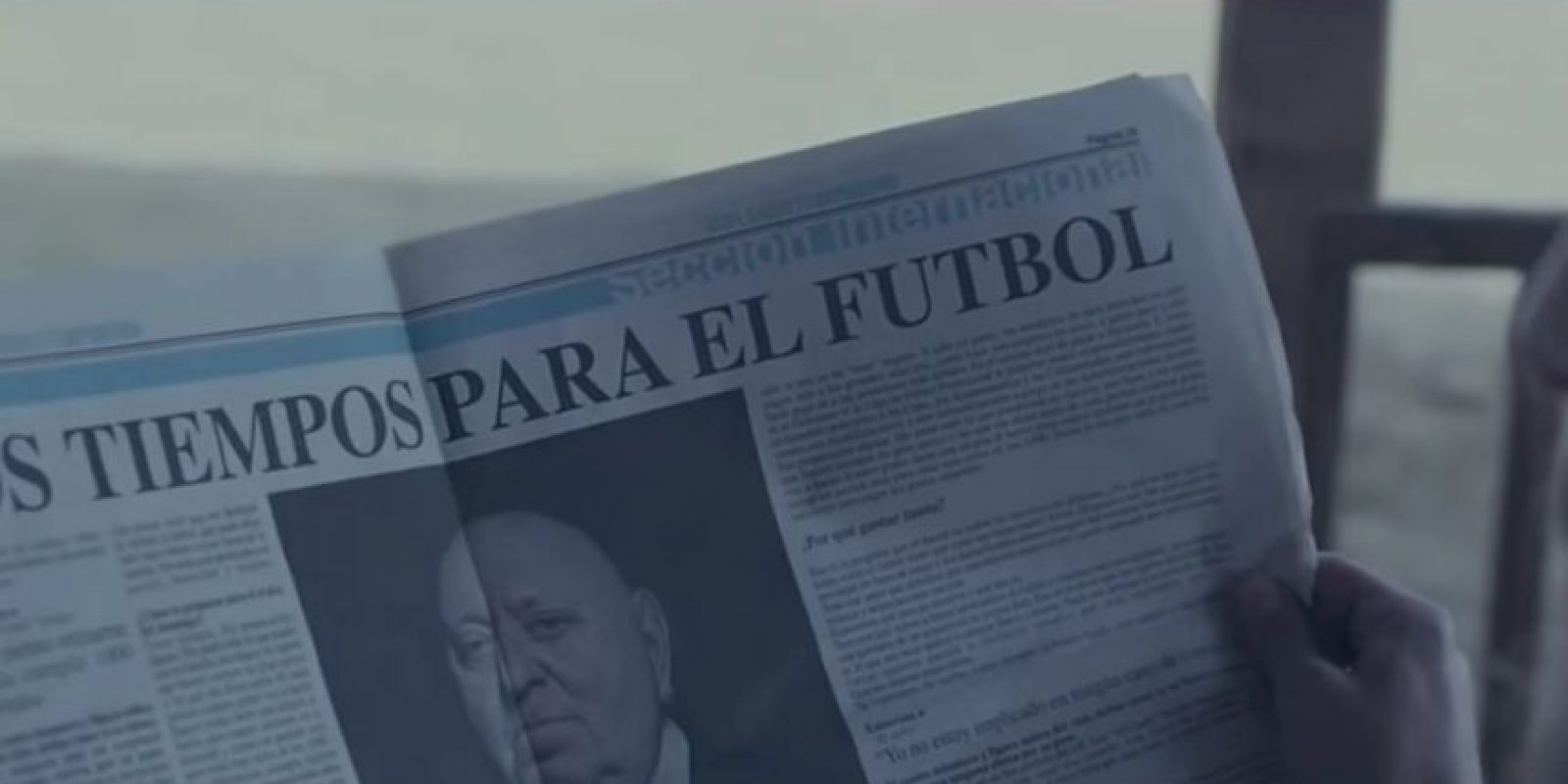 Diego Maradona ayuda a Noé a salvar al fútbol Foto:Twitter