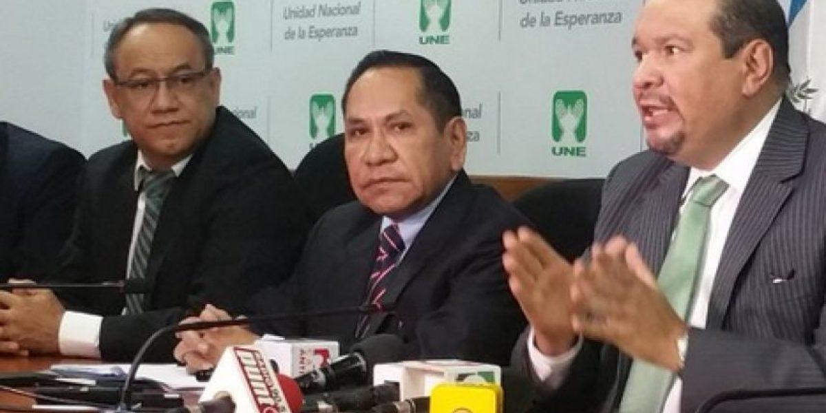 Diputados de la UNE analizan presentar antejuicio contra el presidente Morales