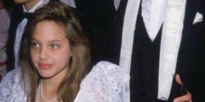 Así luce el hermano de Angelina Jolie que besó hace 16 años