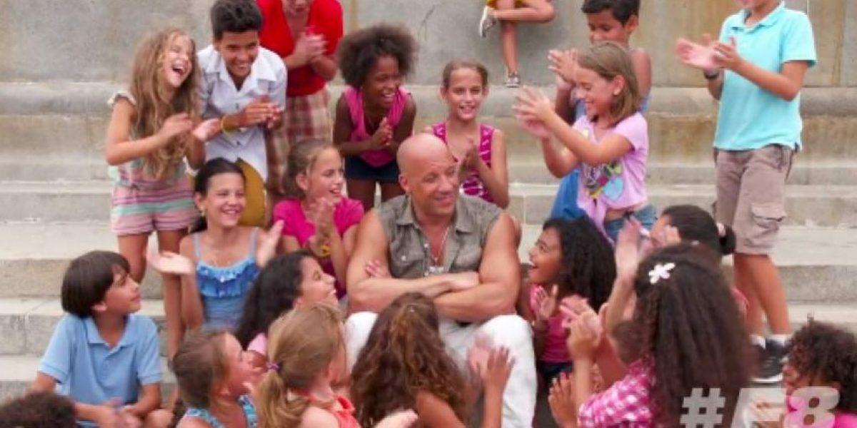 VIDEO. Vin Diesel les habla en español a niños cubanos