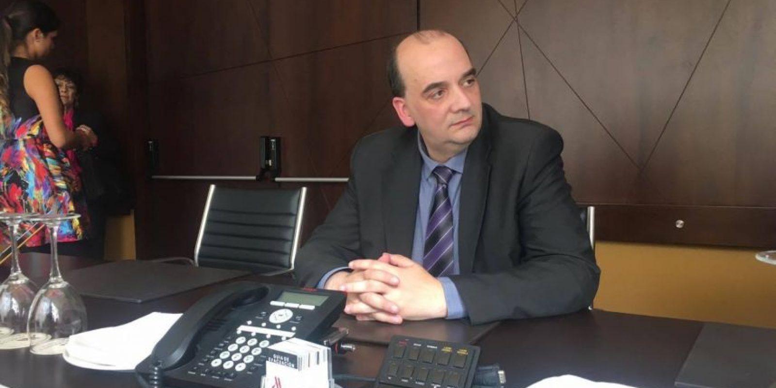 El doctor Farsalinos concedió entrevistas para medios internacionales, entre ellos, Publinews. Foto:Publinews