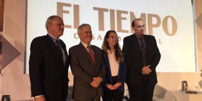 De izquierda a derecha, Germán Gómez, Hugo Caballero, Lorena Calderón y Konstantinos Farsalinos. Foto:Publinews