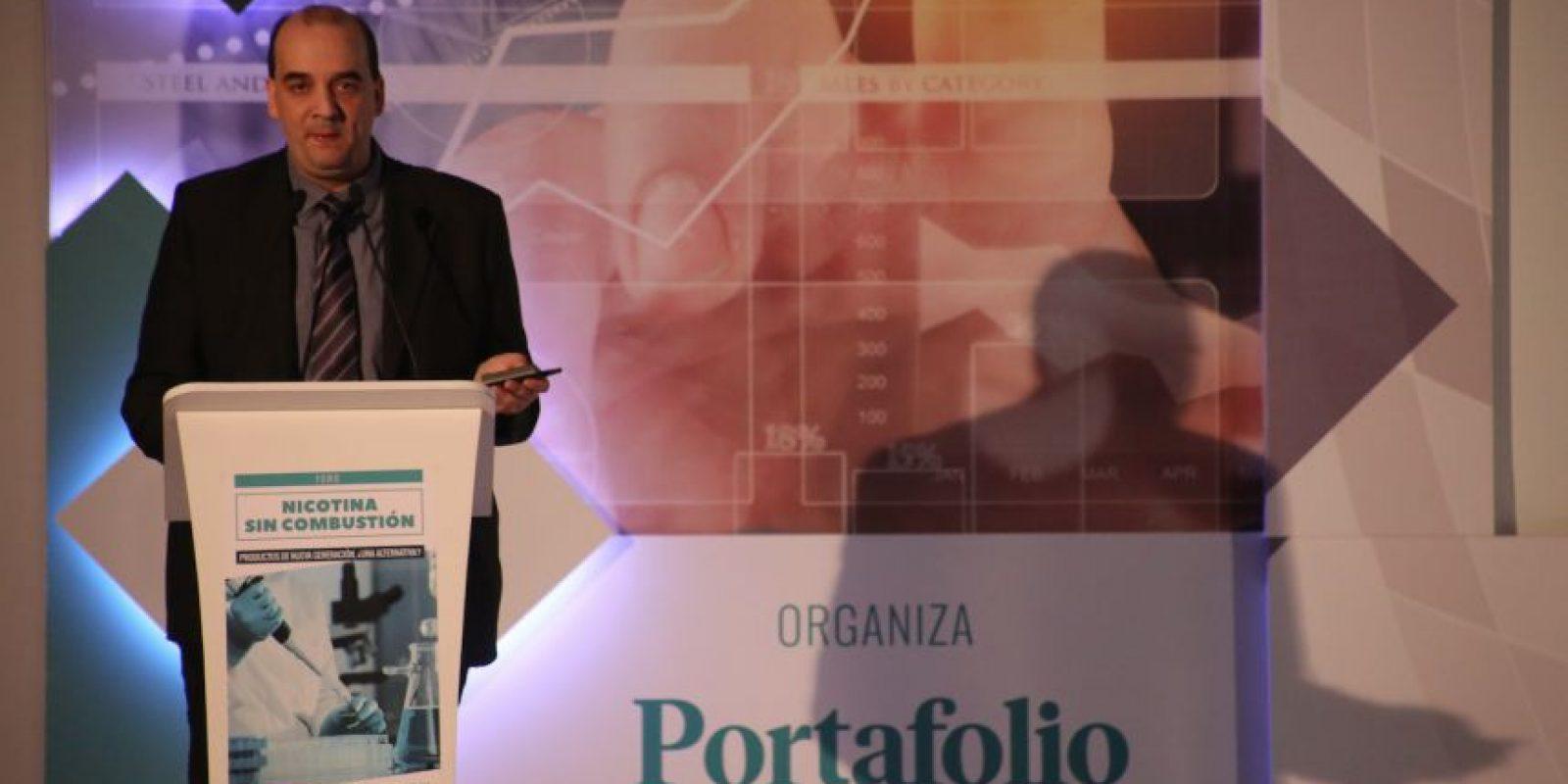 El doctor Konstantinos Farsalinos eses investigador de Cirugía Cardiaca en el Onassis Center, en Grecia. Foto:Portafolio