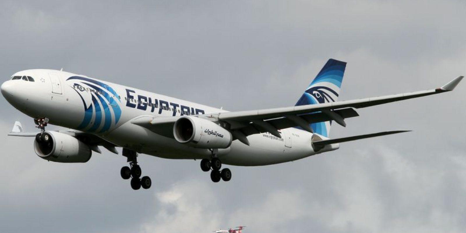 La aeronave viajaba con 66 personas a bordo Foto:Twitter