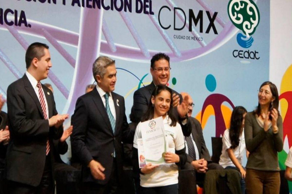 Dafne Almazán a sus 13 años se convirtió en la psicóloga más joven del mundo. Foto:vía facebook.com/Centro-de-Atención-al-Talento