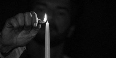 """Ricardo Arjona comparte un adelanto de """"Apagué la luz y escuché"""""""