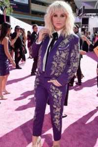 Kesha, vestida de torero. Fail. Foto: vía Getty Images