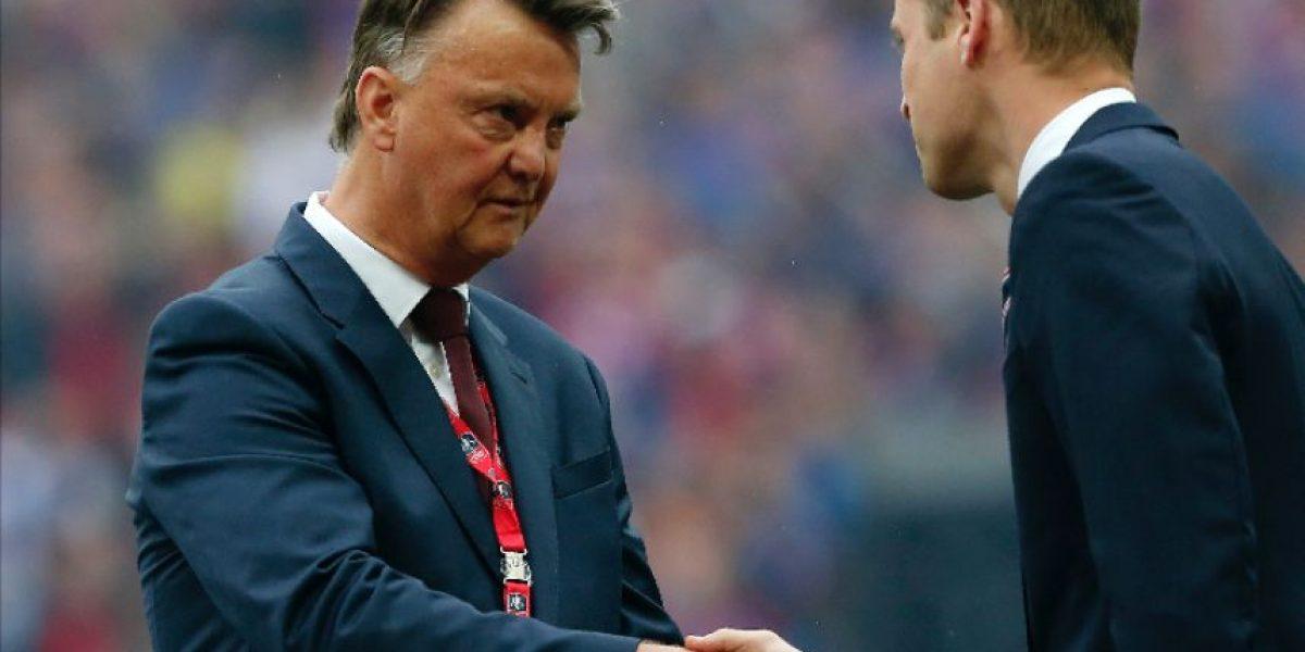 Mourinho puede ser anunciado con el United tras salida de Van Gaal