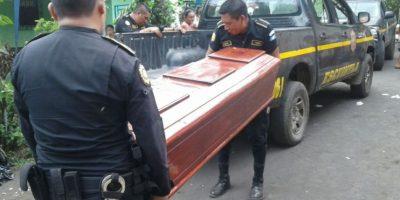 La Policía suspende un velorio y se lleva el cadáver de una mujer