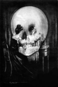 ¿Una mujer frente al espejo o una calavera? Foto:Twitter