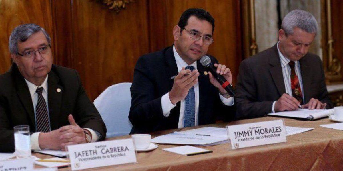 Jimmy Morales analiza reformas electorales junto con representantes de diversos sectores