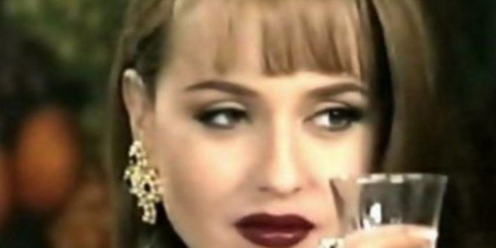 Las villanas pueden abusar de la moda todo lo que quieran. Foto:vía Televisa