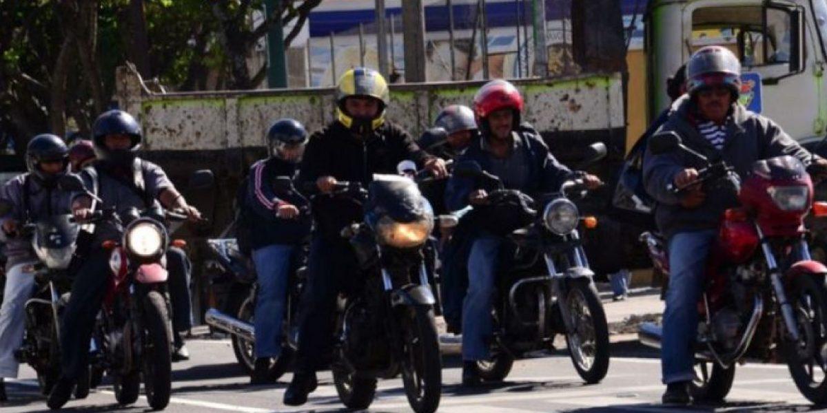 SAT adquiere placas para motocicletas