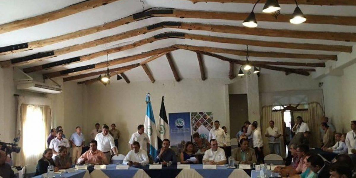 Jimmy Morales se reúne con sus gobernadores en Mazatenango