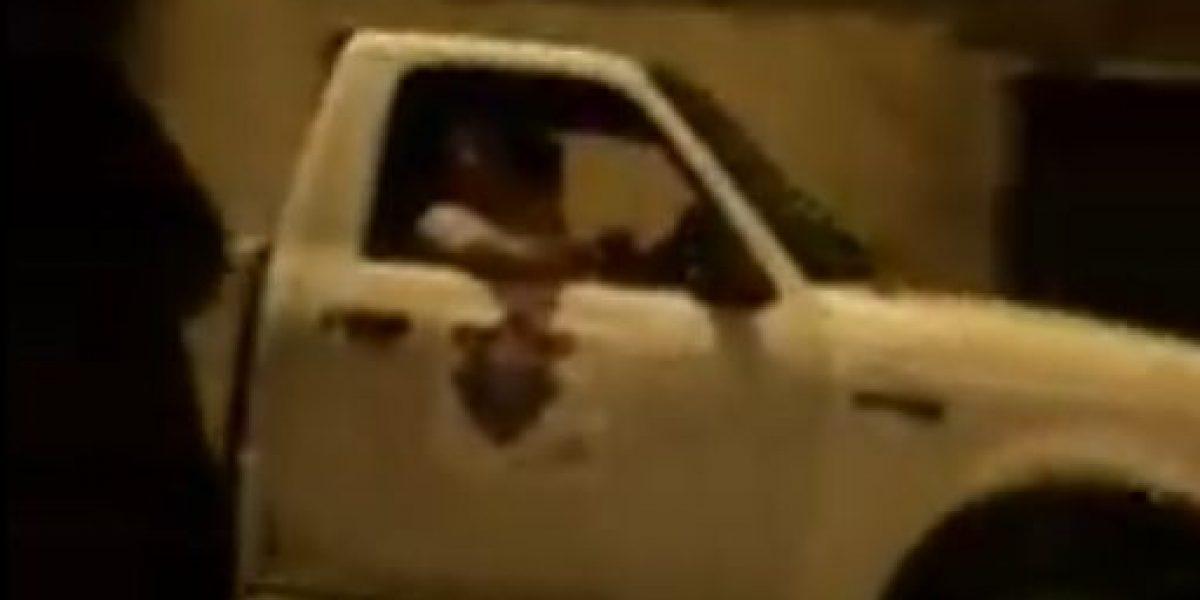 Captan que vehículo de la municipalidad de Guatemala con conductor violando la ley