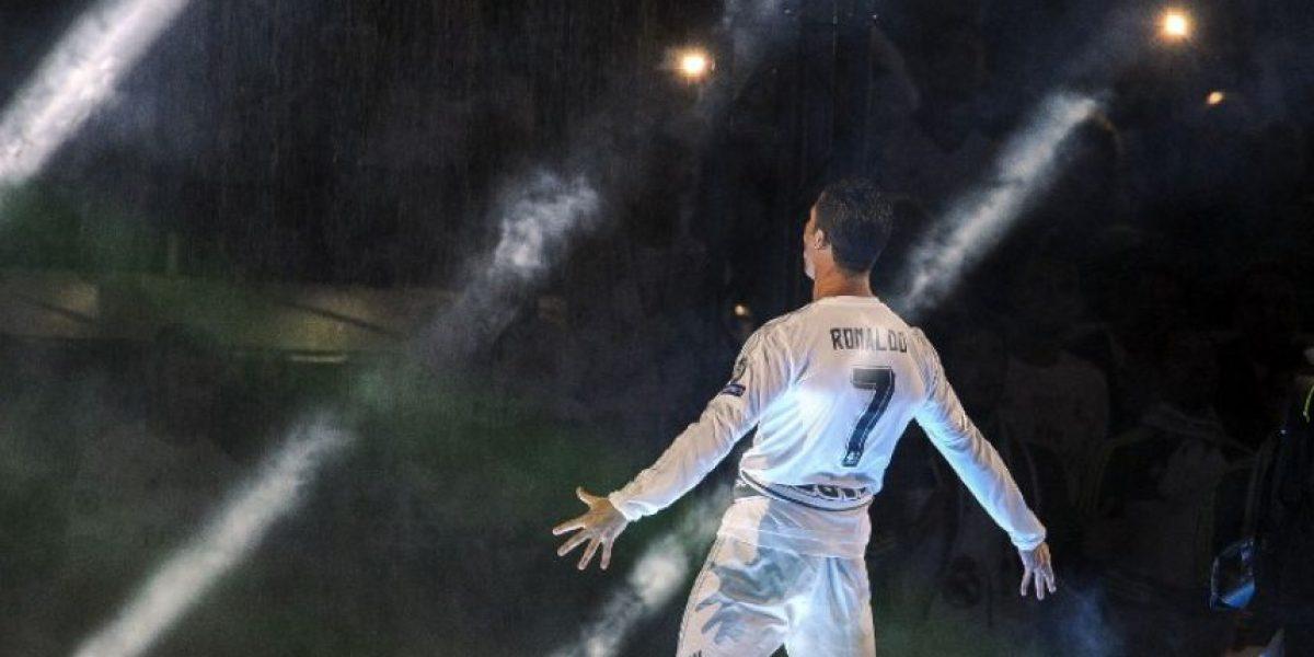 Real Madrid ofrece la copa de la Champions League a los madrileños