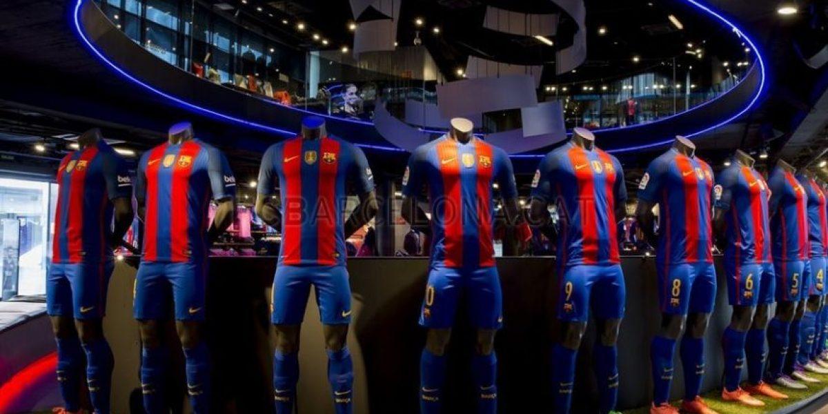 FC Barcelona presenta nuevo uniforme para temporada 2016-2017