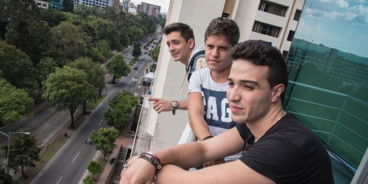 """VIDEO. Victoria: La boy band colombiana visitó Publinews para presentar """"Mueve tu cuerpo"""""""