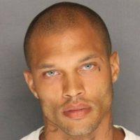 """Lo llamaron """"el preso más guapo del mundo"""". Foto:Vía Facebook.com/JeremyMeeksDreamyMcMugShot"""