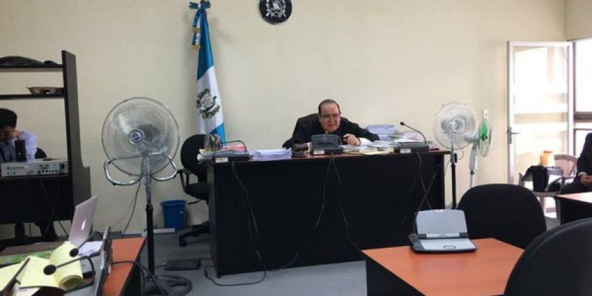 Juez Walter Villatoro beneficia a cuatro exdiputados por el caso de las