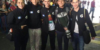 Equipo de futbol 5 regresó hoy a Guatemala tras coronarse campeón en Milán