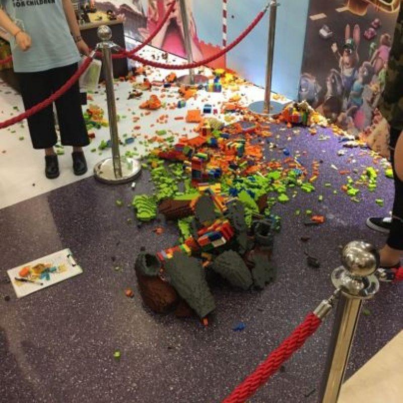 Pero este fue su destino final… un niño la destruyó Foto:Weibo.com/Trush