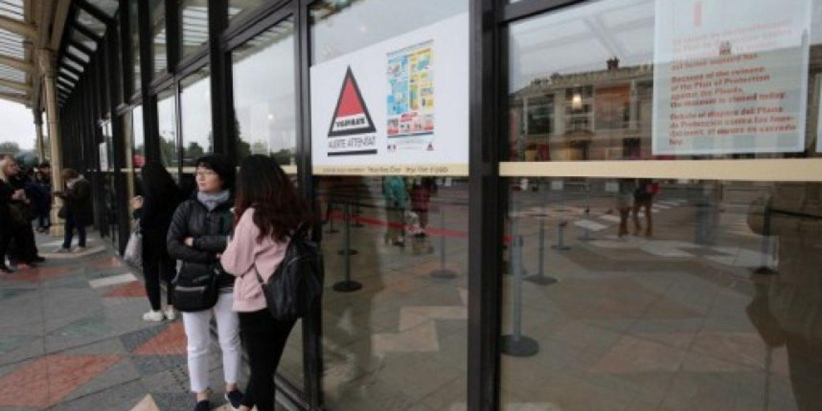 Sin embargo, algunos turistas han esperado fuera del lugar Foto:AFP