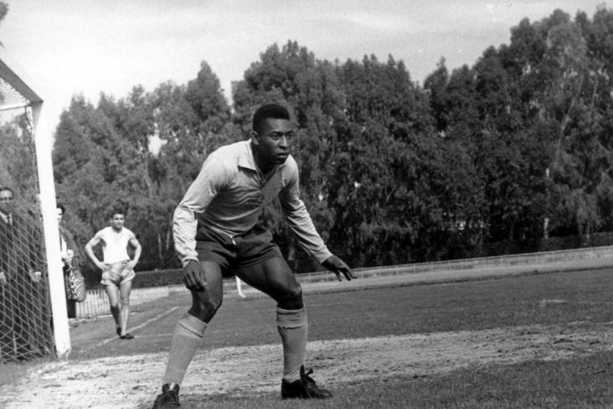 Es considerado por muchos como el mejor jugador del mundo de la historia, pero una de las deudas que tuvo fue obtener la Copa América. La única edición en la que participó se remonta a 1959, donde marcó ocho goles y no pudo levantar el torneo al quedar en el segundo lugar, a un punto de darle caza al campeón Argentina. Foto:Getty Images
