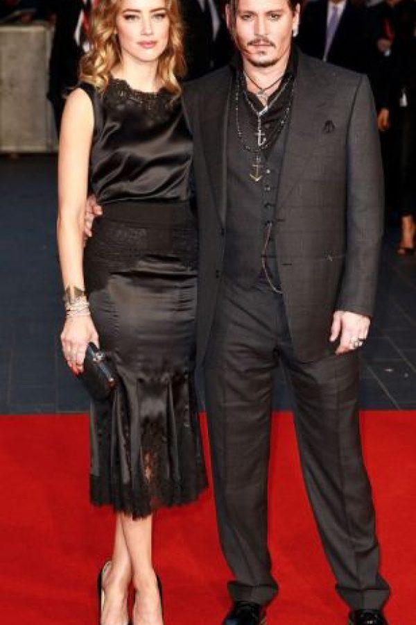 Johnny Depp y Amber Heard tienen una guerra sucia. Su familia dice que ella quiere su dinero. Foto:vía Getty Images