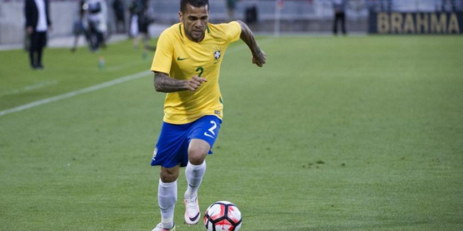 Dani Alves será la principal figura que tendrán los brasileños en Estados Unidos Foto:AFP