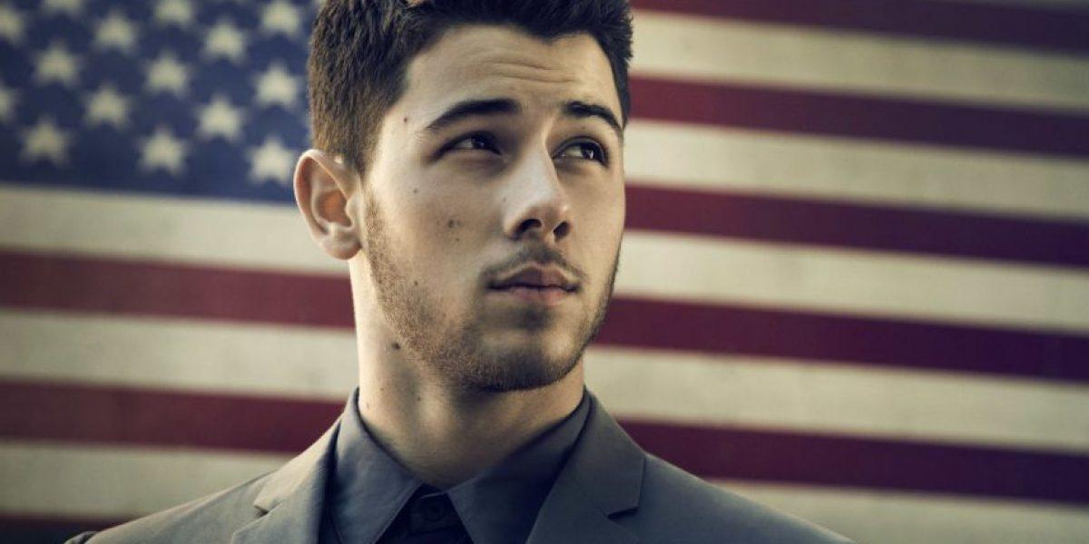 Nick Jonas enciende en las redes sociales con un semidesnudo