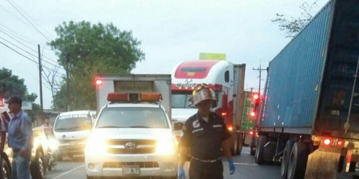 Accidente de tránsito cobra vida de padre e hijos