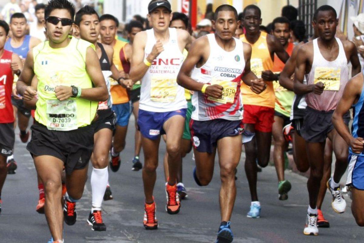 El corredor nacido en San Marcos celebró como el ganador de la prueba que se celebró este domingo. Foto:Publisport