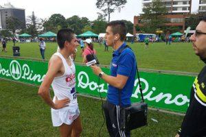 El corredor nacido en San Marcos celebró como el ganador de la prueba que se celebró este domingo. Foto:Cortesía Luis Rivero