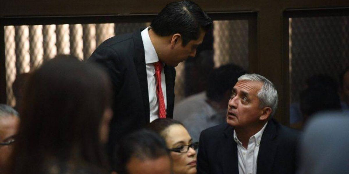 Video. Abogado Mario Cano saluda a ex vicepresidenta Roxana Baldetti
