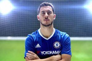 El delantero belga del Chelsea, Eden Hazard, en el nuevo teaser trailer de FIFA 17. Foto:Facebook EA SPORTS FIFA Latinoamérica