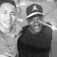 El brasileño ha compartido con grandes figuras y firmó un convenio con Michael Jordan para crear una aplicación en conjunto con Nike Foto:Instagram Neymar