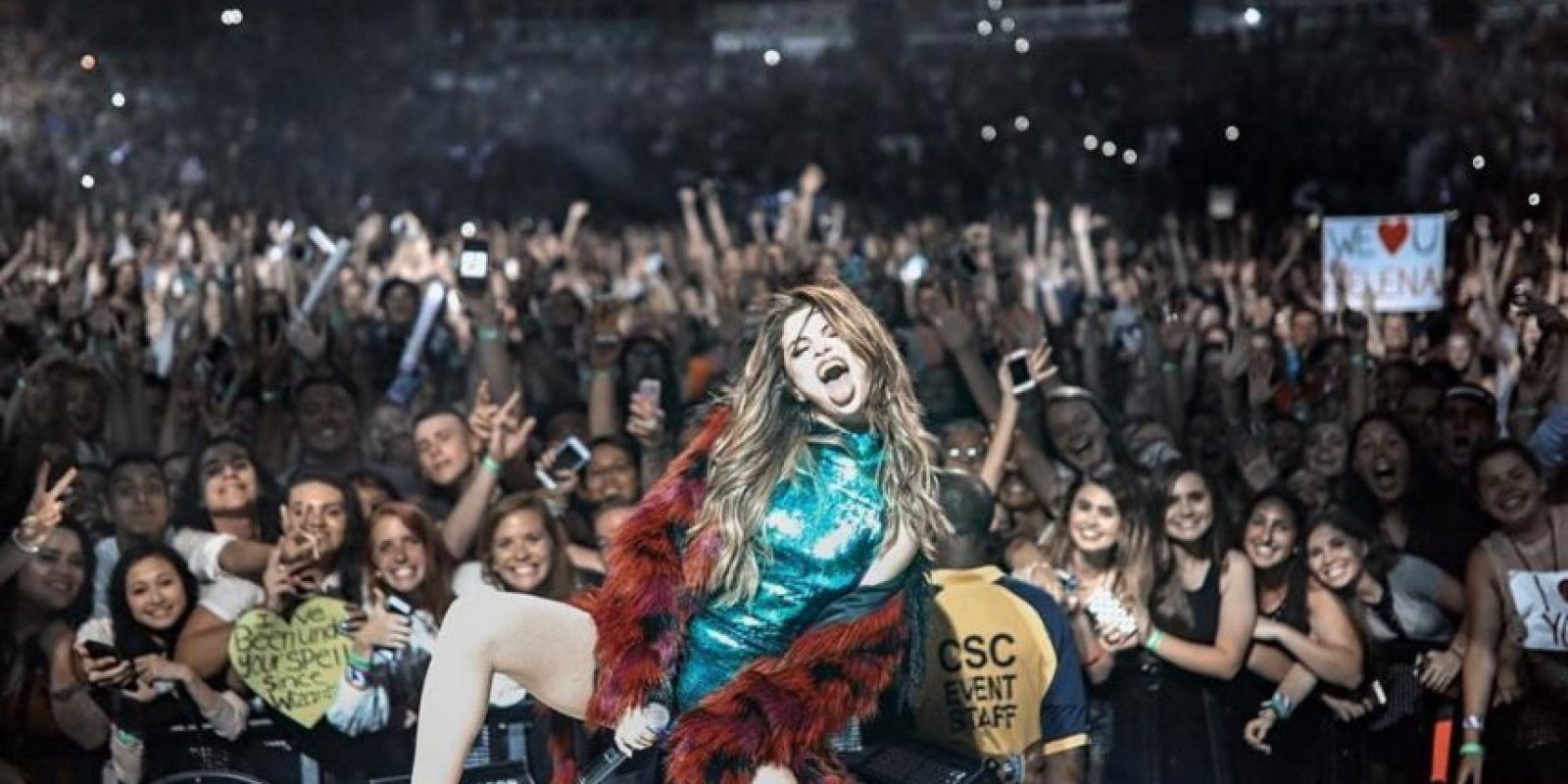 La cantante cambió de look Foto:Vía instagram.com/selenagomez/