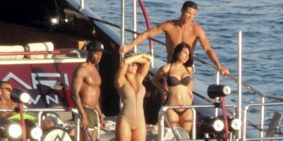 Cristiano Ronaldo en un yate con misteriosa mujer