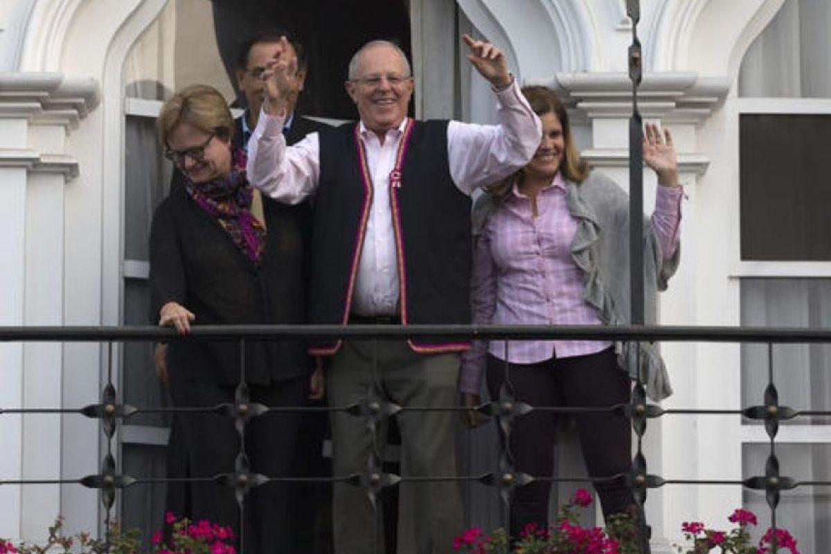 Sin embargo, para la segunda vuelta, los resultados en boca de urna apuntan a que su rival Pedro Pablo Kuczynski será quien consiga el triunfo. Foto:AP