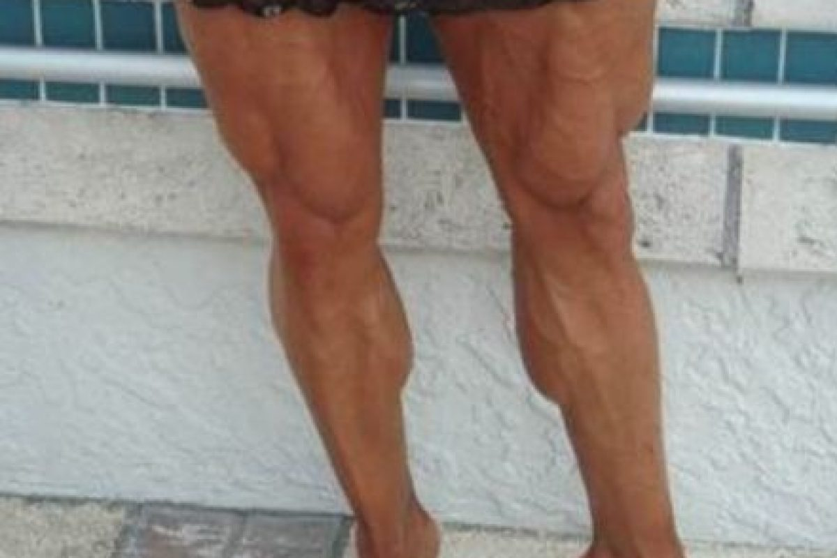 Tocando pierna esposa metro desconocida